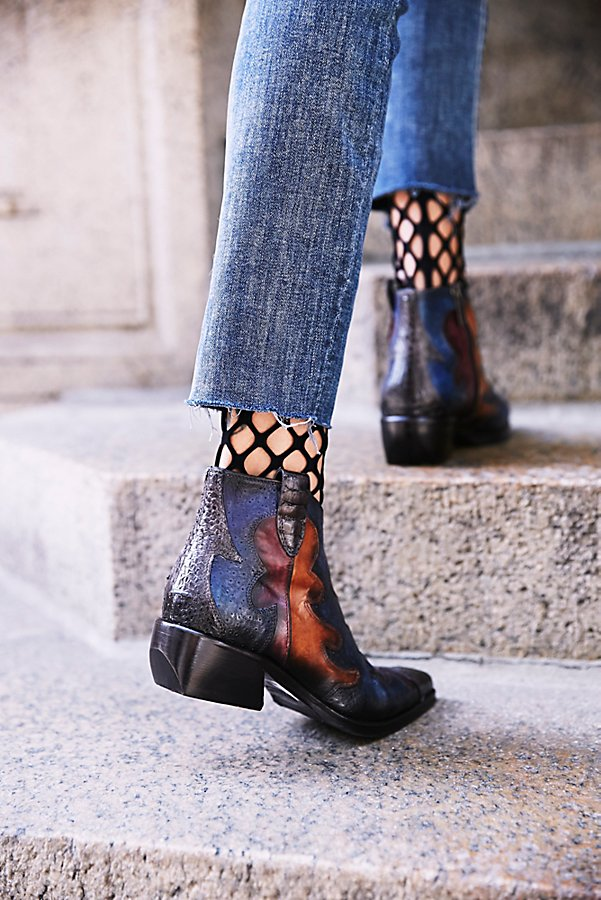 fishnet ankle socks with jeans and ankle boots
