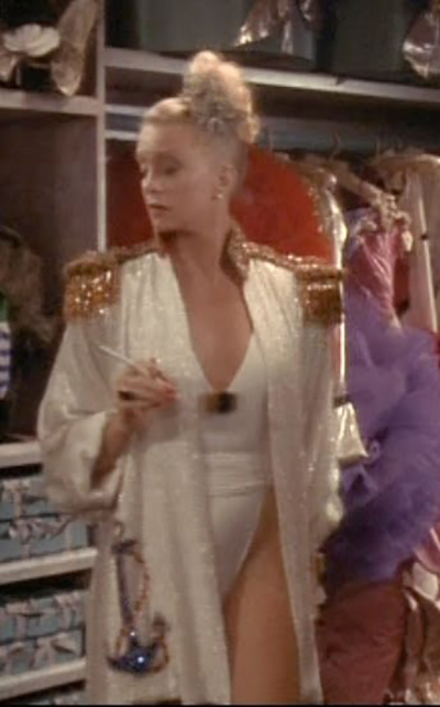 goldie hawn outfit in overboard