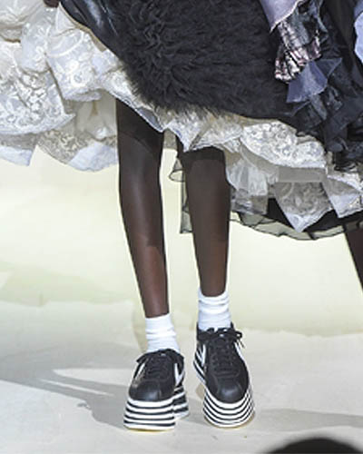 comme des garcons fall winter 2018 nike platforms paris fashion week